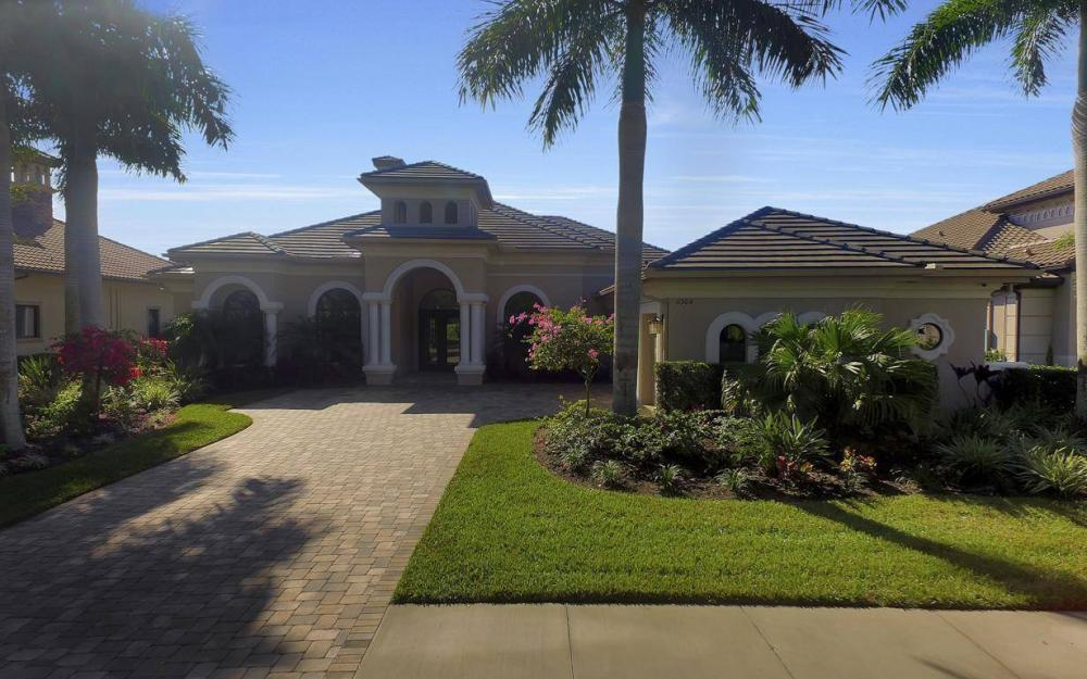 11904 Hedgestone Ct, Naples - Home For Sale 360155166
