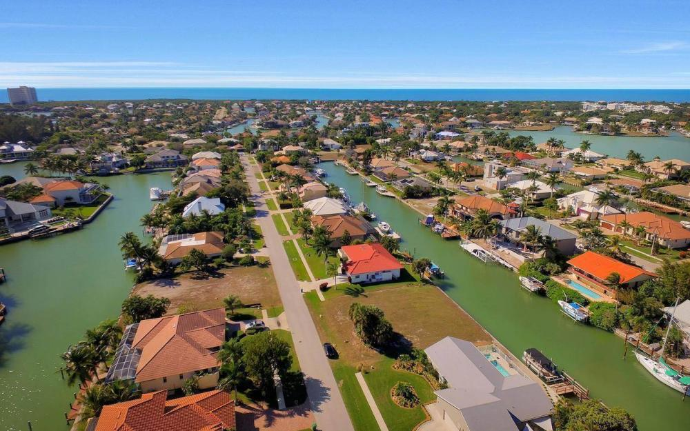 754 Nautilus Ct, Marco Island - Home For Sale 813867914