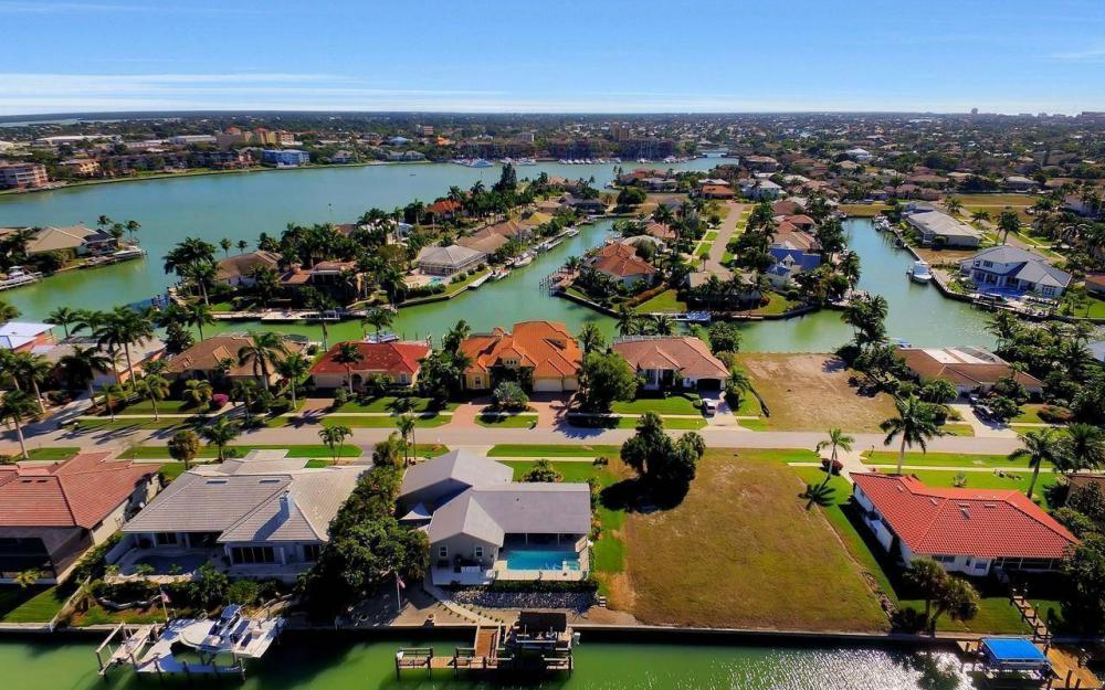 754 Nautilus Ct, Marco Island - Home For Sale 1139786540