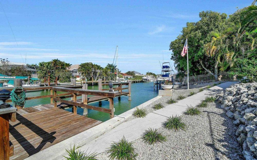 754 Nautilus Ct, Marco Island - Home For Sale 435099485