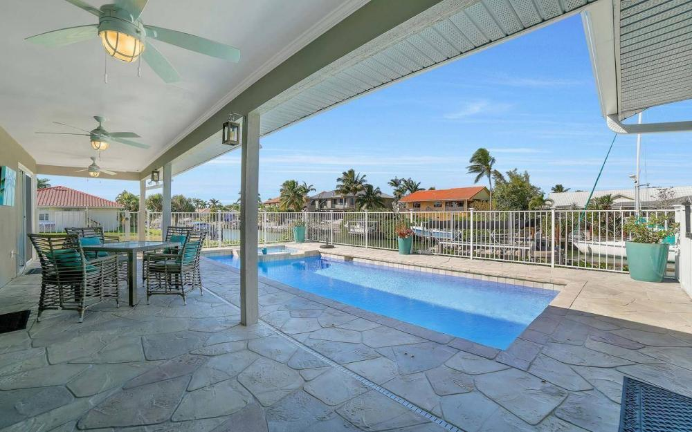 754 Nautilus Ct, Marco Island - Home For Sale 2113172157