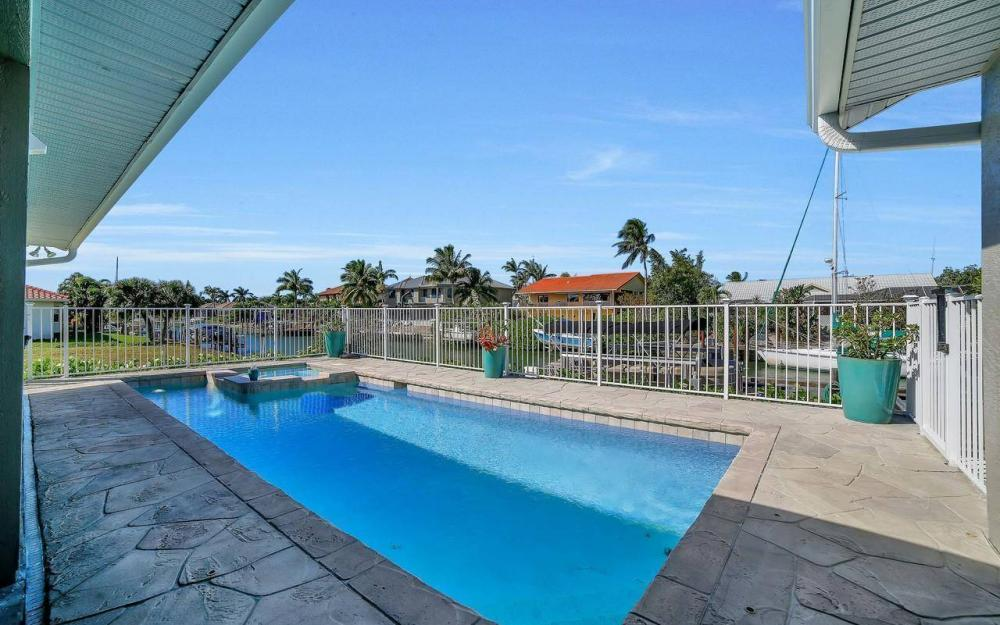 754 Nautilus Ct, Marco Island - Home For Sale 231633198
