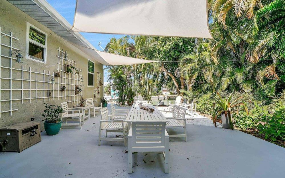 754 Nautilus Ct, Marco Island - Home For Sale 934149081