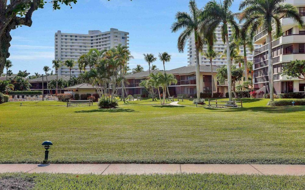 609 Seaview Court #R-3, Marco Island - Condo For Sale 612489259