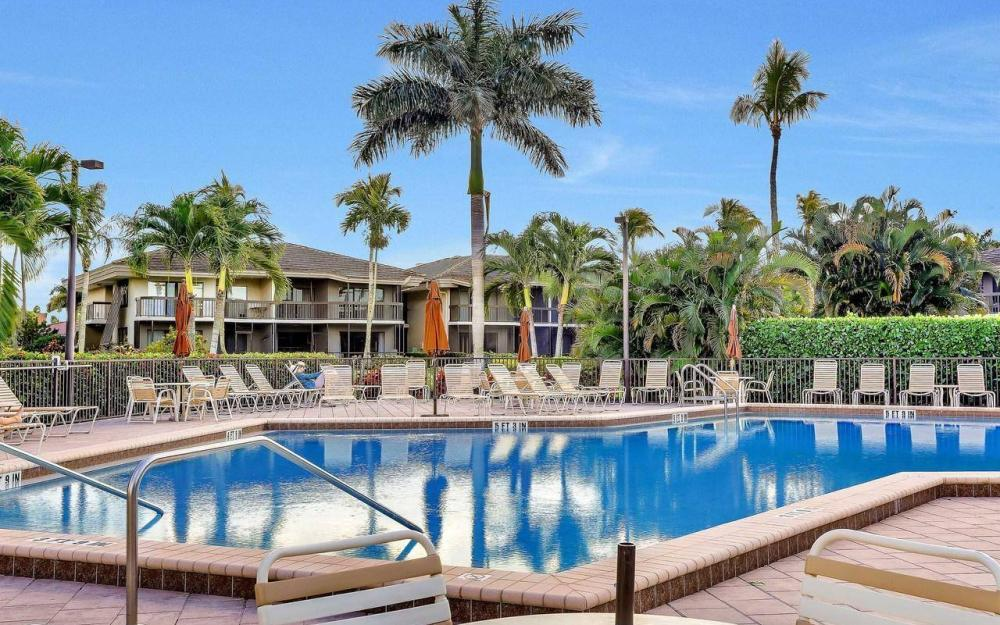 609 Seaview Court #R-3, Marco Island - Condo For Sale 1016641377