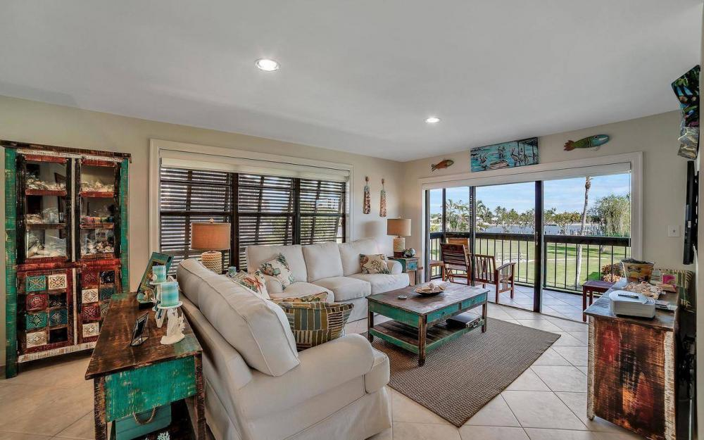 609 Seaview Court #R-3, Marco Island - Condo For Sale 1204445139