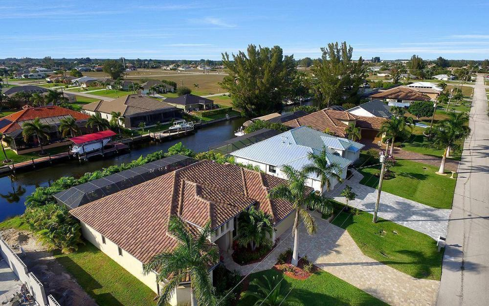 4330 SW 19th Pl, Cape Coral - Home For Sale 1701642404