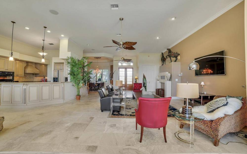 11290 Compass Point Dr, Fort Myers - Home For Sale 163144050