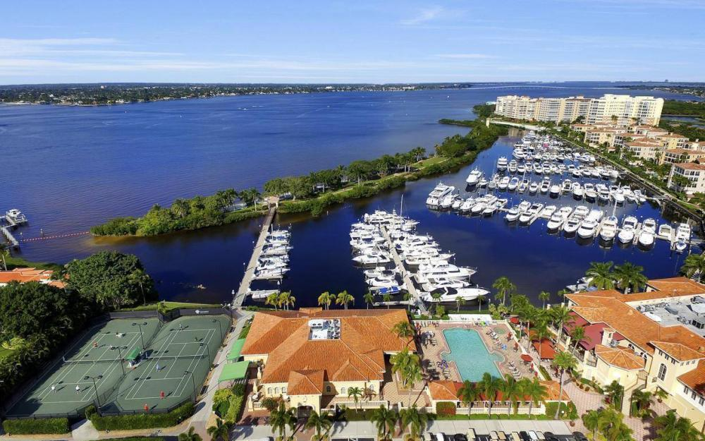 11290 Compass Point Dr, Fort Myers - Home For Sale 200925756