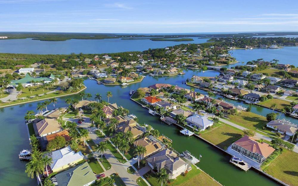 1631 Begonia Ct, Marco Island - Home For Sale 64084043