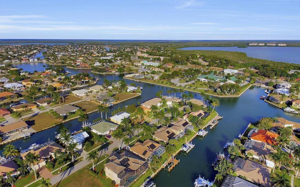 1631 Begonia Ct, Marco Island - Home For Sale 204894705