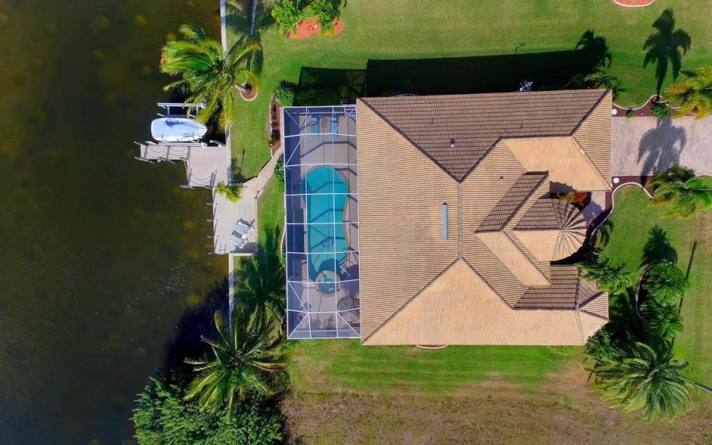 2422 NW 3rd Pl, Cape Coral - Home For Sale 1274130850