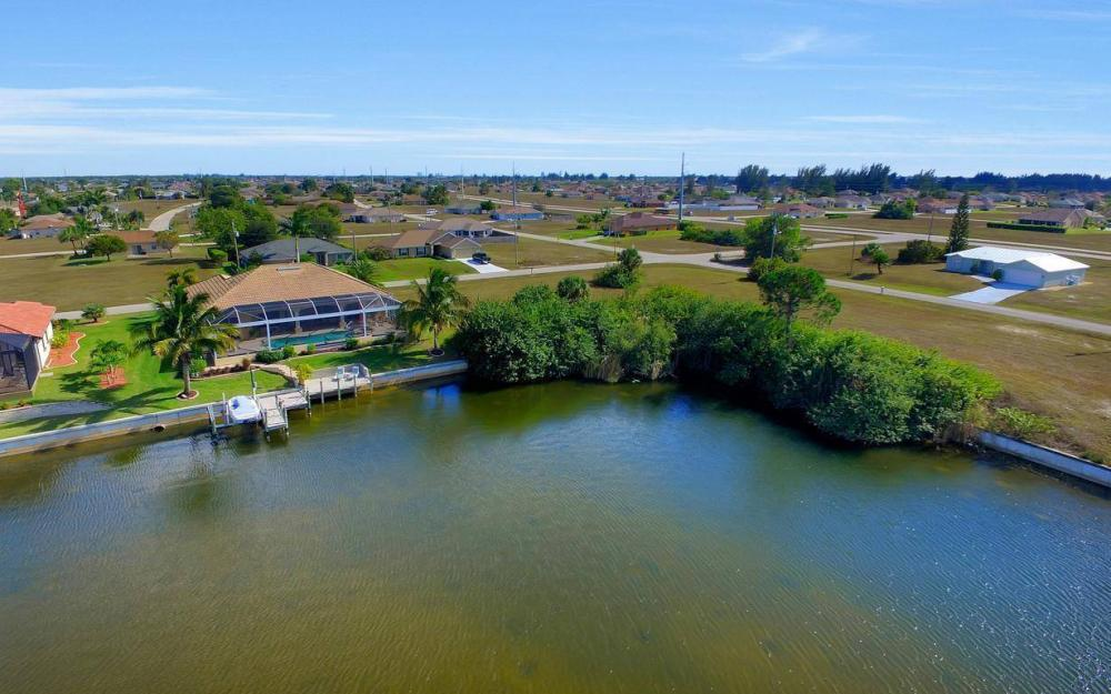 2422 NW 3rd Pl, Cape Coral - Home For Sale 1863177414