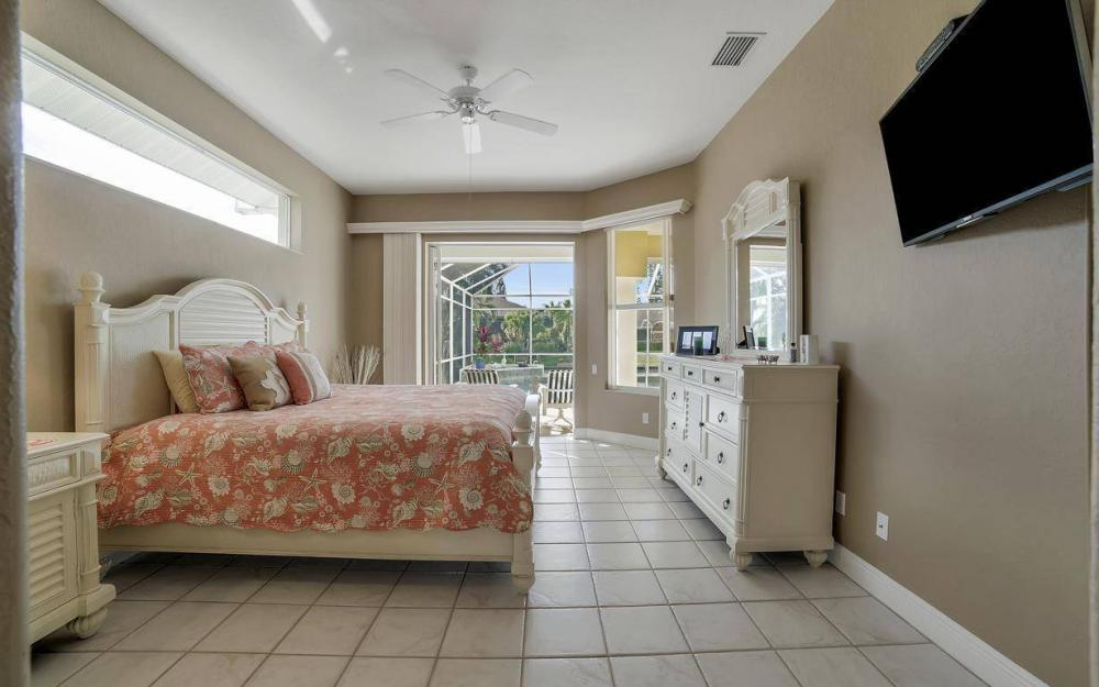 2010 SE 18th Ave, Cape Coral - Home For Sale 2038890620