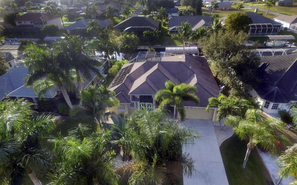 2010 SE 18th Ave, Cape Coral - Home For Sale 264774314