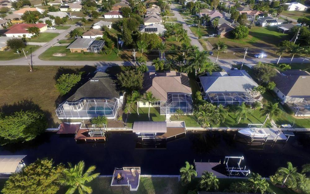 2010 SE 18th Ave, Cape Coral - Home For Sale 471752212
