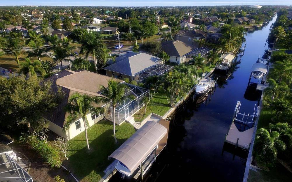 2010 SE 18th Ave, Cape Coral - Home For Sale 417101587