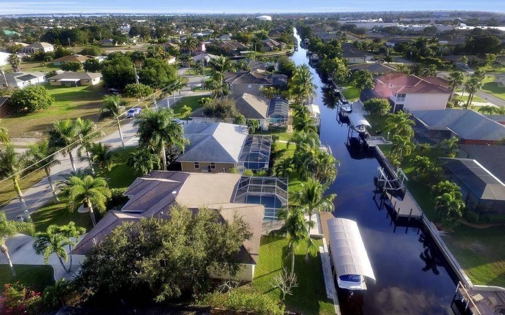 2010 SE 18th Ave, Cape Coral - Home For Sale 931840468