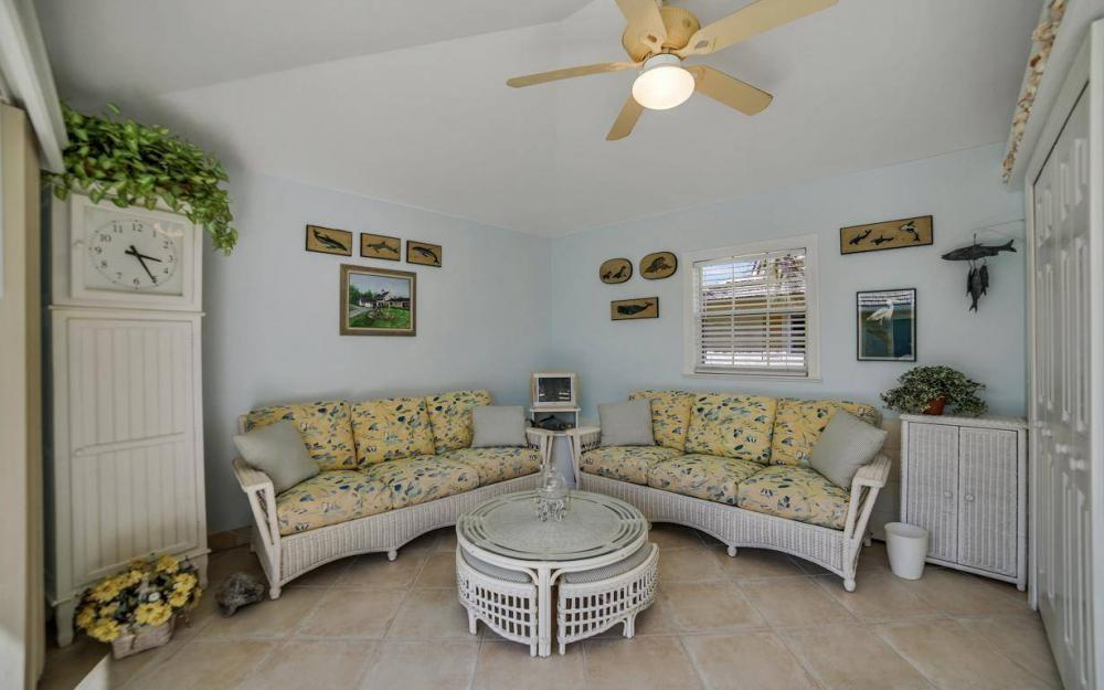 971 Lido Ct, Marco Island - Home For Sale 1727478636