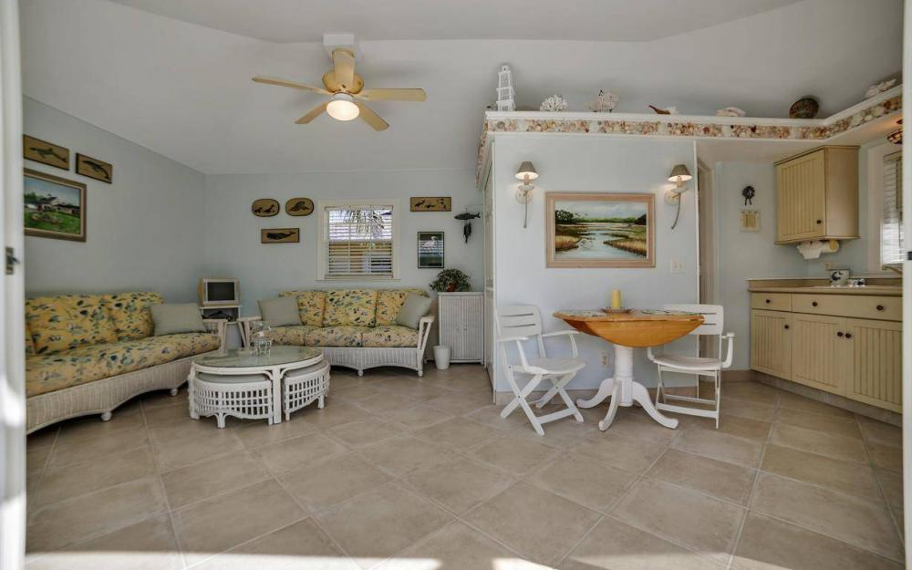971 Lido Ct, Marco Island - Home For Sale 10954756