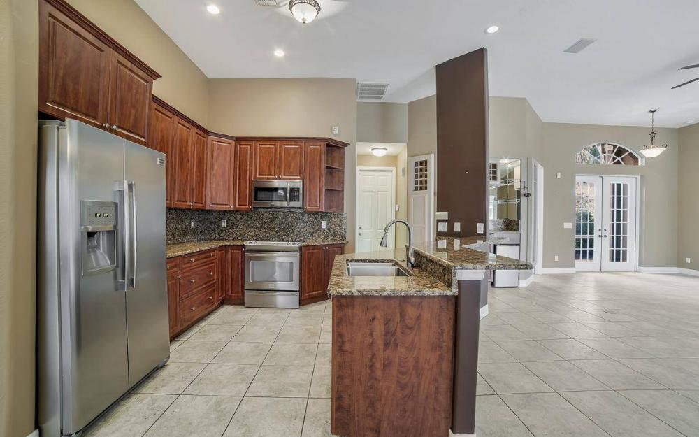 5206 SW 10th Ave, Cape Coral - Home For Sale 604755768