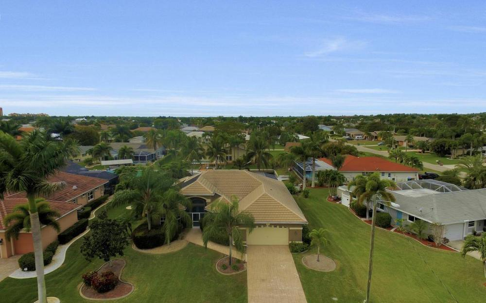 5206 SW 10th Ave, Cape Coral - Home For Sale 934736578