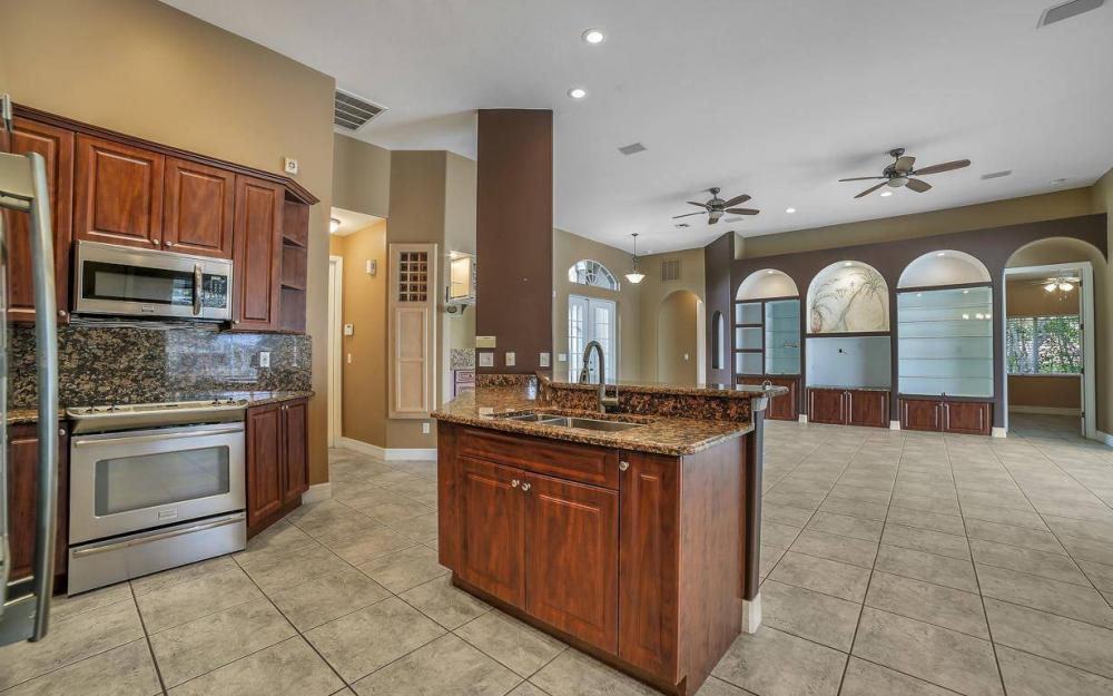 5206 SW 10th Ave, Cape Coral - Home For Sale 929379993