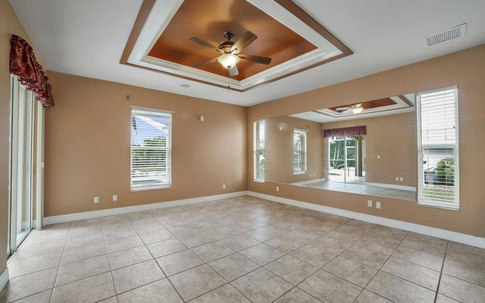 5206 SW 10th Ave, Cape Coral - Home For Sale 905312099