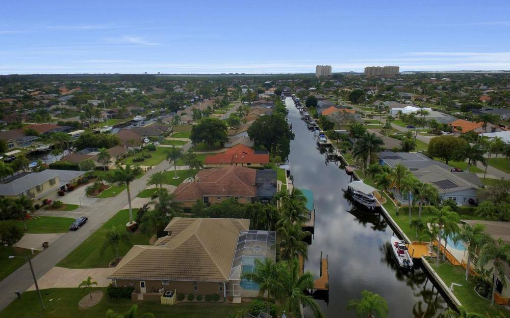 5206 SW 10th Ave, Cape Coral - Home For Sale 632218134