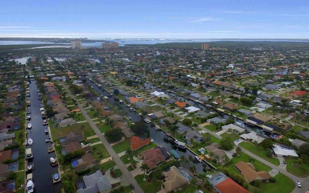 5206 SW 10th Ave, Cape Coral - Home For Sale 191666095