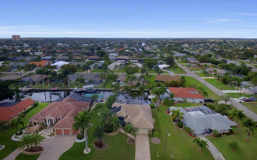 5206 SW 10th Ave, Cape Coral - Home For Sale 2102924504