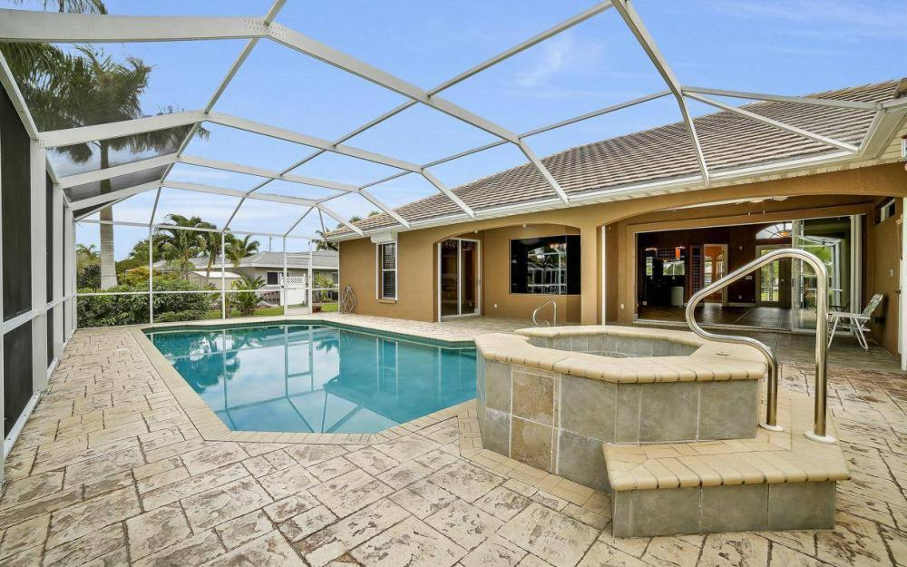5206 SW 10th Ave, Cape Coral - Home For Sale 273858584