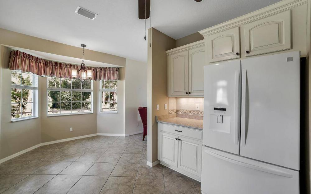 25781 Old Gaslight Dr, Bonita Springs - Home For Sale 891351187