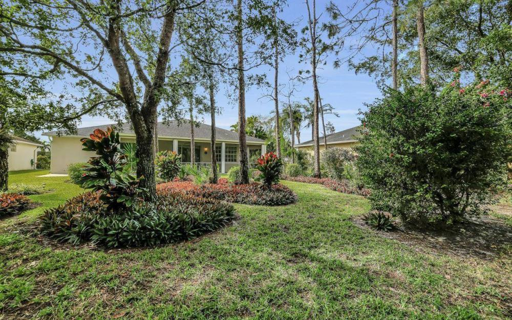 25781 Old Gaslight Dr, Bonita Springs - Home For Sale 880372451