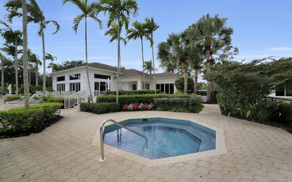25781 Old Gaslight Dr, Bonita Springs - Home For Sale 1923478712