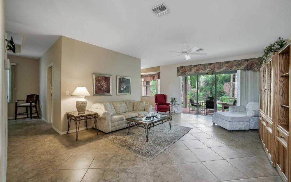 25781 Old Gaslight Dr, Bonita Springs - Home For Sale 203484368