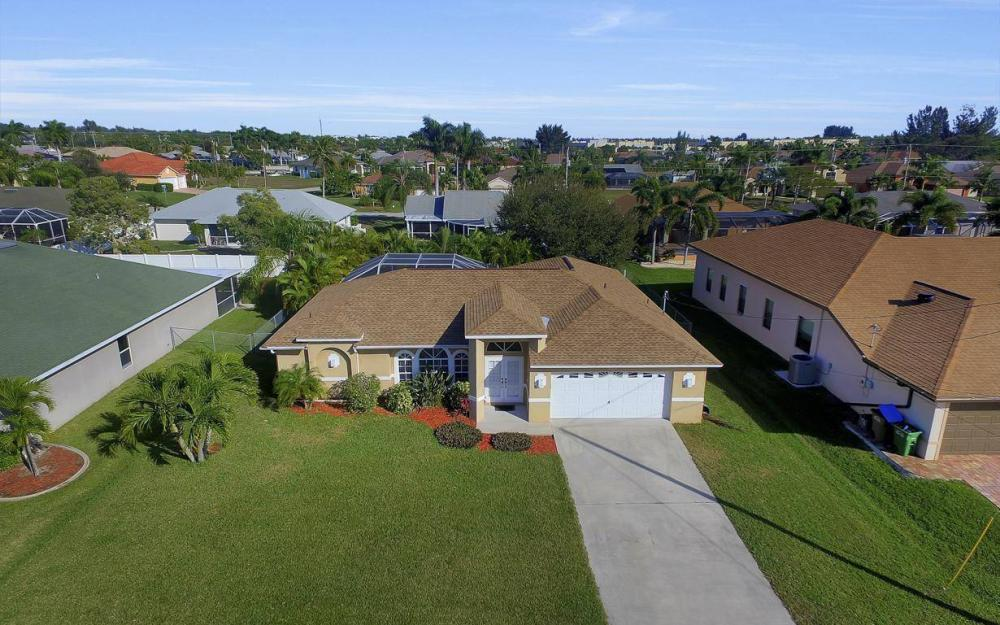 3325 SW 26th Pl, Cape Coral - Home For Sale 761607684