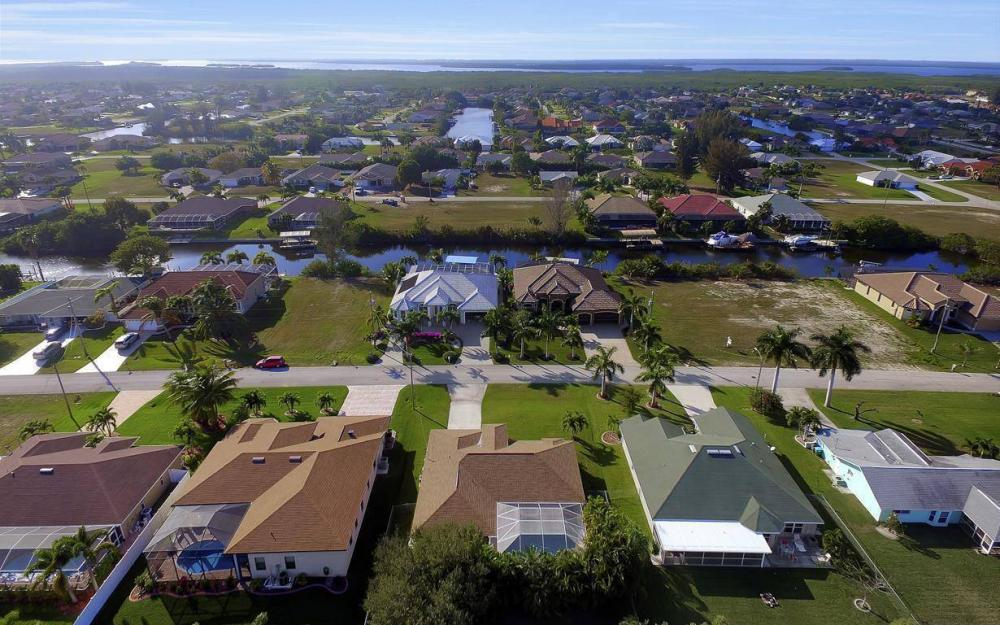 3325 SW 26th Pl, Cape Coral - Home For Sale 951915541