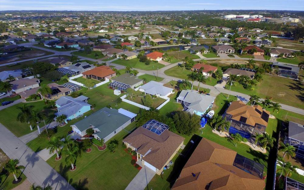 3325 SW 26th Pl, Cape Coral - Home For Sale 1614374656