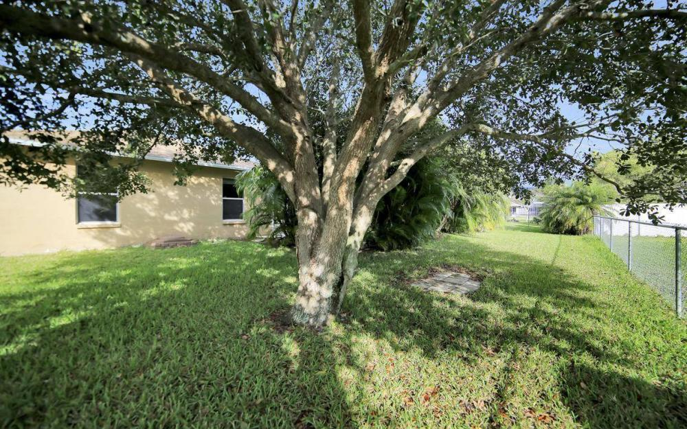 3325 SW 26th Pl, Cape Coral - Home For Sale 2035869144
