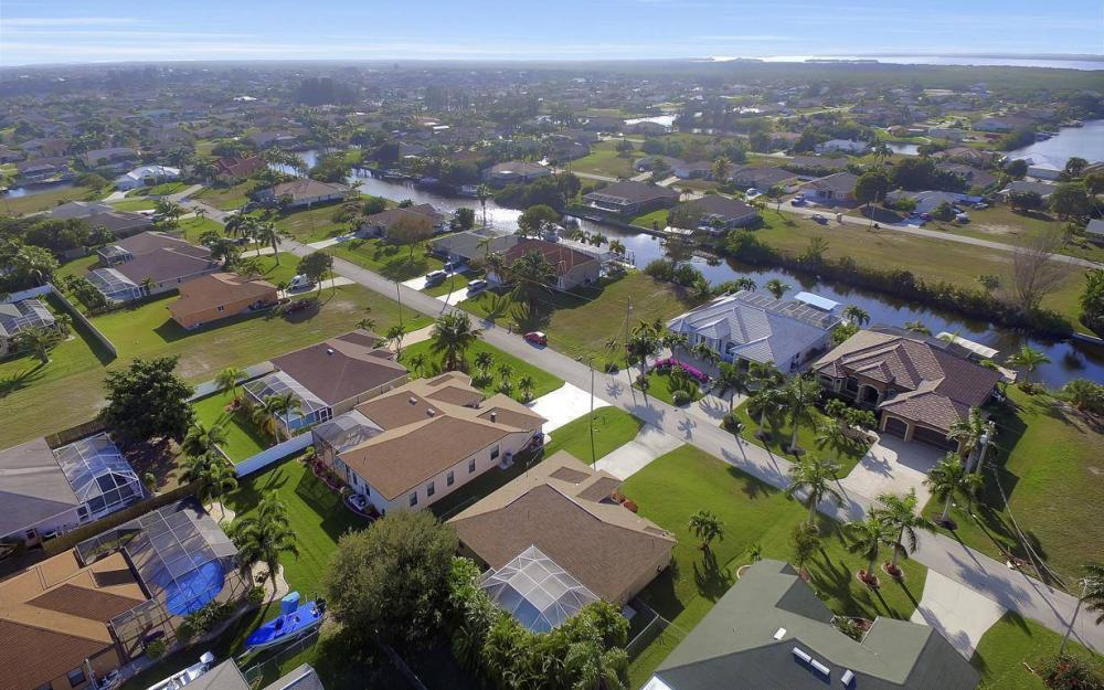 3325 SW 26th Pl, Cape Coral - Home For Sale 1772385206