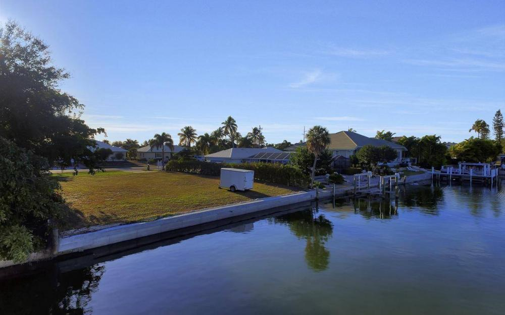 837 N Barfield Dr, Marco Island - Lot For Sale 1071838939