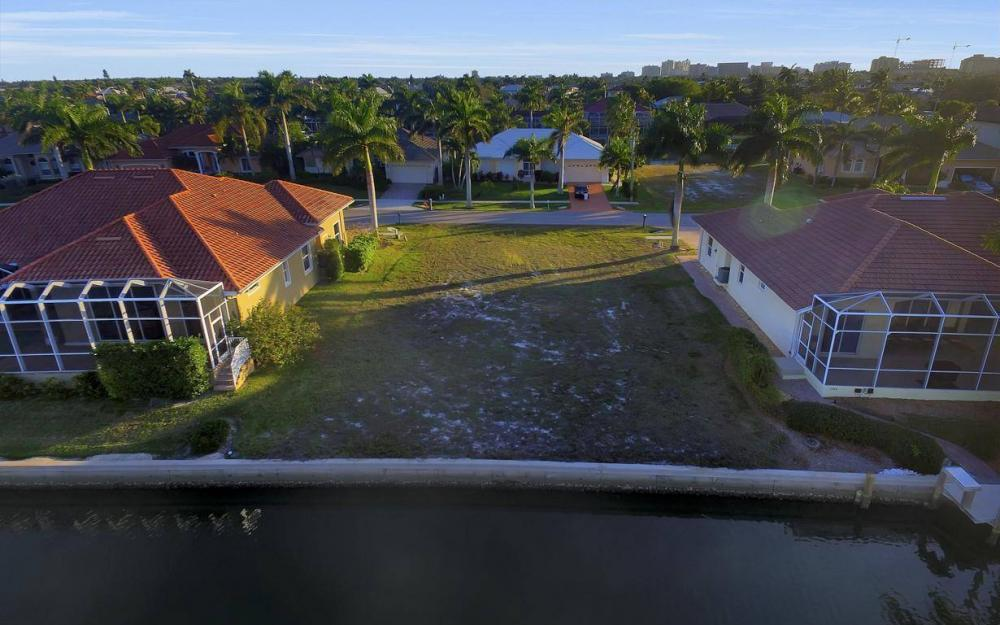 1068 Cottonwood Ct, Marco Island - Lot For Sale 254769368