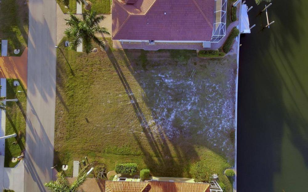 1068 Cottonwood Ct, Marco Island - Lot For Sale 166247312