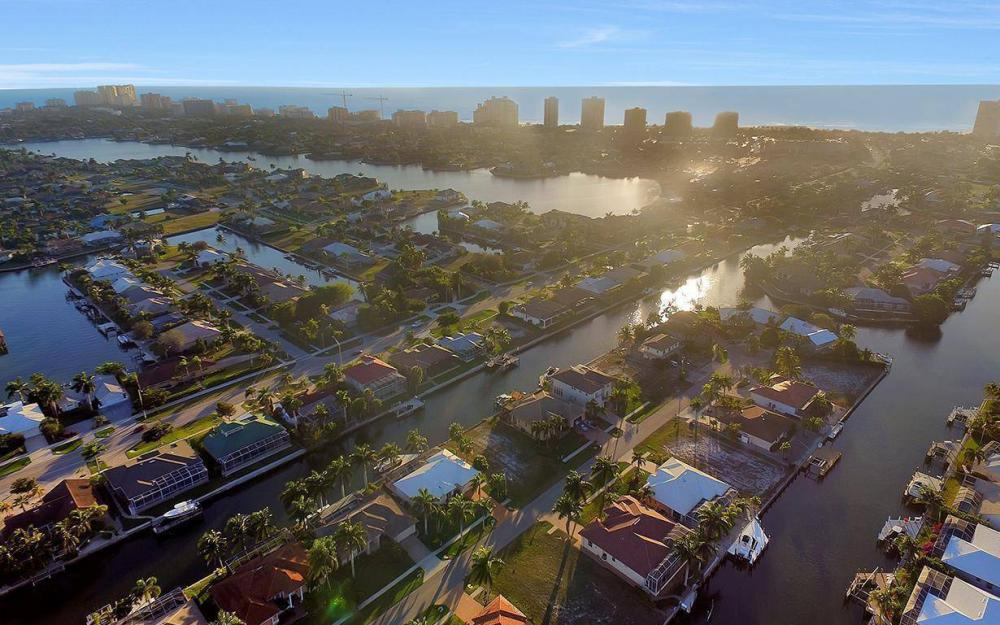 1068 Cottonwood Ct, Marco Island - Lot For Sale 325140261