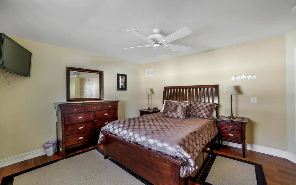 1031 Mendel Ave, Marco Island - Home For Sale 426340344