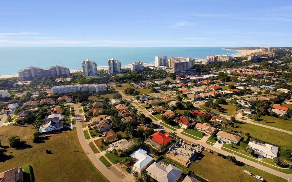 1031 Mendel Ave, Marco Island - Home For Sale 236437946