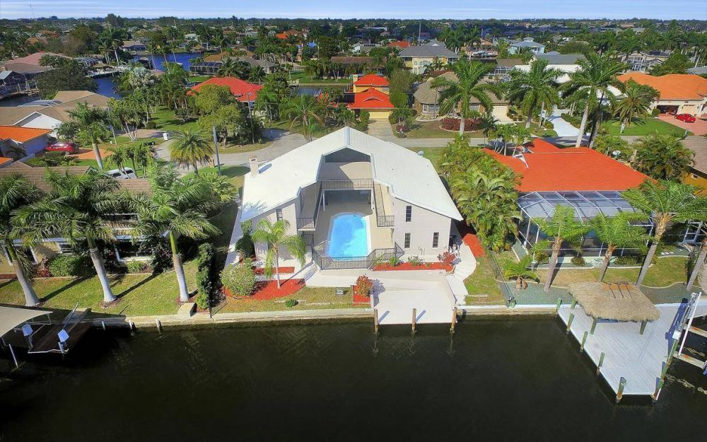 1222 SW 51st St, Cape Coral - Home For Sale 488235870
