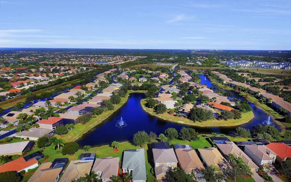 20370 Rookery Dr, Estero - Home For Sale 1015370267