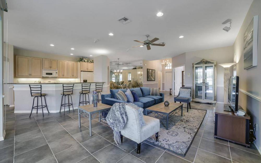 20370 Rookery Dr, Estero - Home For Sale 360688567